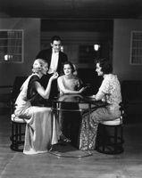 Coiffures et maquillage 1930