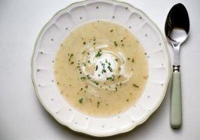 Soupe de pommes de terre contenant peut être congelé?