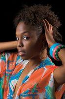 Remèdes naturels pour la croissance des cheveux noir