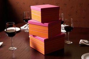 Comment décorer un gâteau comme une boîte cadeau