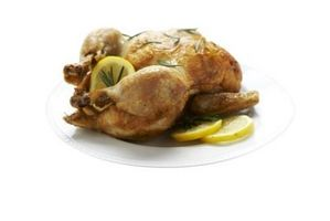 Comment faire cuire un poulet bien assaisonné entier