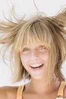 Comment se débarrasser de l'électricité statique dans les cheveux