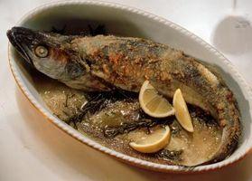 Que mettre dans lors de la cuisson du poisson pour absorber les odeurs