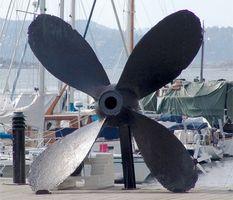 Comment puis-je choisir une hélice pour une combinaison Engine & Boat?  1