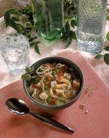 Comment garder Liquide Clair Lorsque Faire de la soupe de nouilles