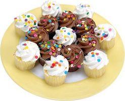 Comment faire pour mettre Cupcakes ensemble pour ressembler à un grand gâteau