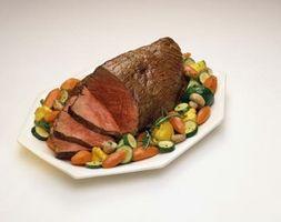 Comment faire cuire un rôti de faux-filet avec des légumes dans le four