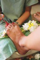 Comment peindre des fleurs sur vos ongles