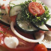 Quelles sont les options les plus saines en mangeant dans un restaurant grec?
