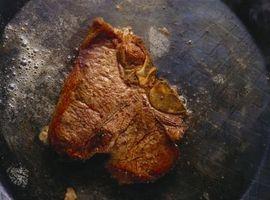 Comment faire cuire Steak style français dans une poêle avec du beurre