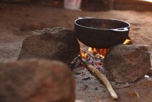 Comment faire cuire Home Fries dans une fonte Pot