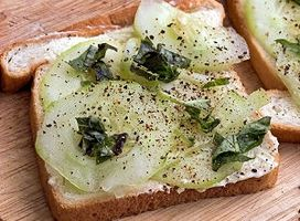 Comment faire un sandwich ouvert Face concombre