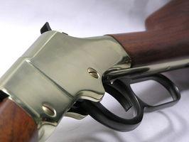 Quelle est la différence dans un gaucher Gun & une Droitier Gun?
