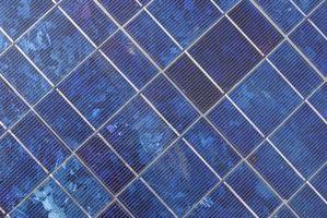 Comment à la figure la puissance pour les panneaux solaires RV