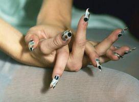 Comment peindre des motifs sur vos ongles