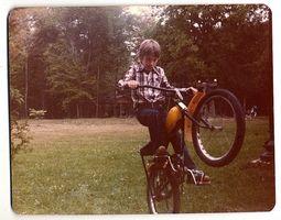 Comment wheelie sur un vélo BMX