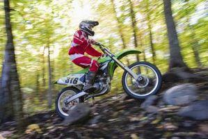 Comment changer le pneu avant sur un Dirt Bike Honda