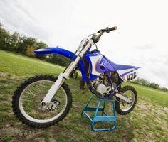 Comment remplacer les pièces sur une moto Honda