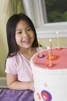Comment décorer les gâteaux de crème glacée Professionnellement