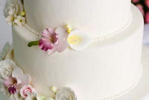 Comment décorer un gâteau avec des points suisses